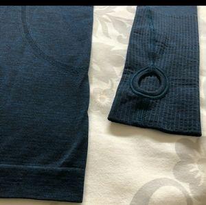 lululemon athletica Tops - EUC! Lululemon Swiftly tech Long sleeve top